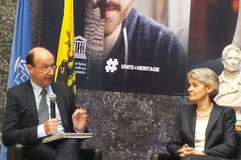 John Hocking, Greffier du TPIY et Irina Bokova, Directrice générale de l'UNESCO